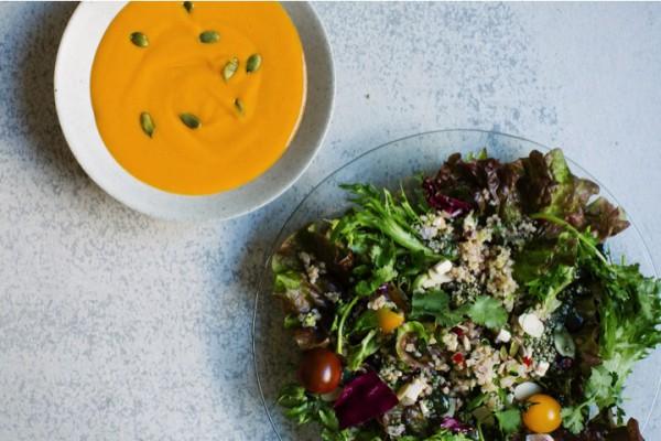ELLE café/Quinoa salad* ~Raw spirulina dressing~